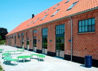 http://ta-as.dk/wp-content/uploads/2013/08/Studenterhus_udenfor_110713.jpg